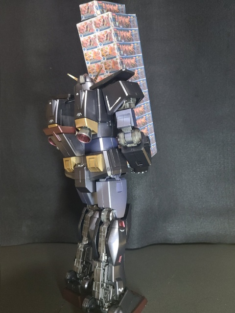 ガンプラを買い占めるサイコガンダム 制作・画像提供/ haruka氏 (C)創通・サンライズの画像