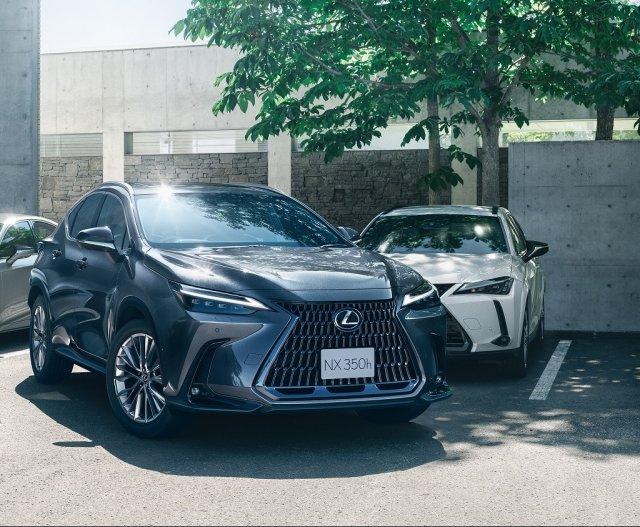 "LEXUSが発表した新型『NX』※写真はNX350h""version L""(ソニッククロム)<オプション装着車>の画像"