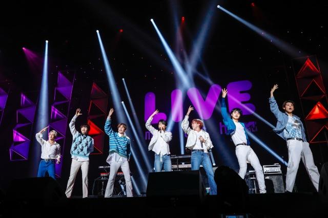 ライブイベント『MTV LIVE MATCH』のオープニングアクトを務めたBE:FIRST Photo by 上山陽介の画像