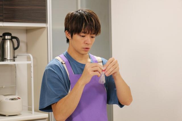 12日放送の日本テレビ系朝の情報番組『ZIP!』内コーナー『解決!King & Prince』に出演する岸優太 (C)日本テレビの画像