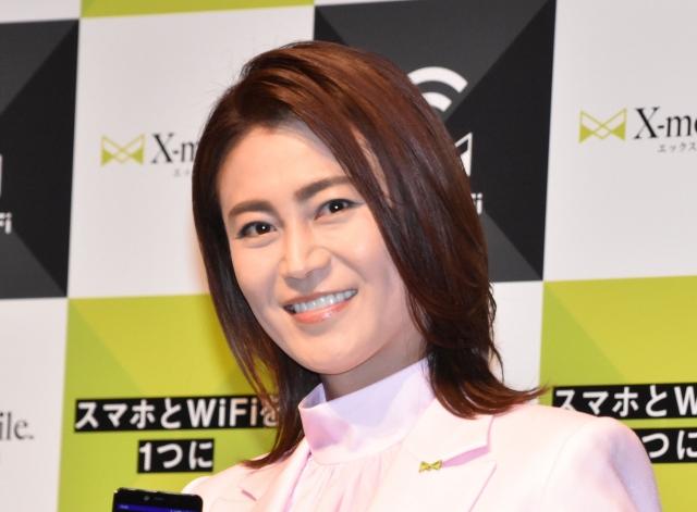 『X-mobile スマートWi-Fi』発表会に出席した氷川きよし (C)ORICON NewS inc.の画像