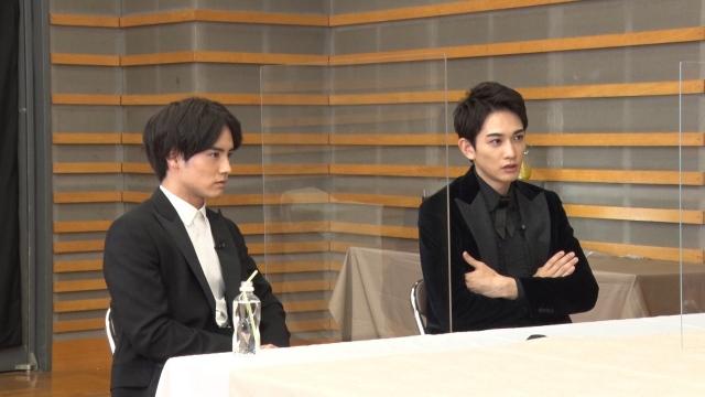 13日放送『突然ですが占ってもいいですか?』に出演する(左から)赤楚衛二、町田啓太 (C)フジテレビの画像