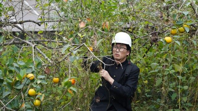 有吉の壁&笑ってコラえて!『おもしろ村人ダーツの旅』合体2時間SPよりシソンヌ・じろう (C)日本テレビの画像