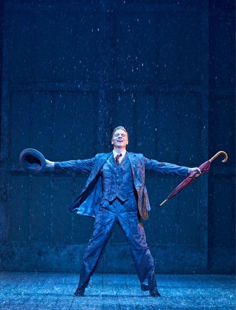 アダム・クーパー主演のミュージカル『SINGIN'IN THE RAIN -雨に唄えば-』大阪公演が決定の画像