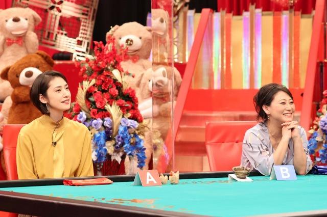 16日放送の土曜プレミアム『有吉ダマせたら10万円』に出演する(左から)天海祐希、友近(C)フジテレビの画像