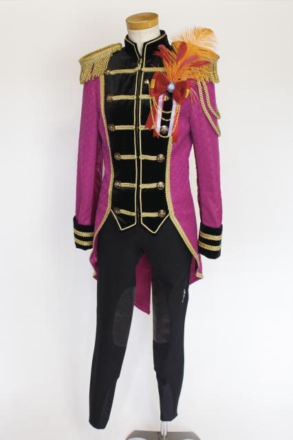 秋華賞で誘導馬騎手が着用するドロンジョ風衣装(C)タツノコプロの画像