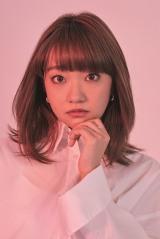 大橋彩香、初のアリーナ公演へ意気込み「デビュー6年目にふさわしいライブに」 チケット情報など詳細解禁