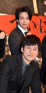 中村倫也、西島秀俊の「吸ったタバコを消したい」 共演シーンを妄想