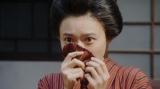 小暮にあるお願いをしていたところを一平に見られ、驚く竹井千代(杉咲花)=連続テレビ小説『おちょやん』第7週・第33回より (C)NHKの画像