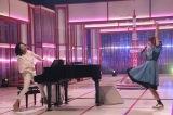 『SONGS OF TOKYO』第18回のゲスト・広瀬香美と眉村ちあきのコラボレーションで広瀬のデビュー曲「愛があれば大丈夫」を披露 (C)NHKの画像