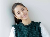 新木優子、シースルードレスから美脚披露「透け具合がいいね」「まさに魅惑的」