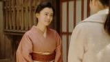 灯子と話しをする千代(杉咲花)=連続テレビ小説『おちょやん』第20週・第96回より (C)NHKの画像