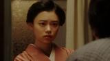 一平と話しをする千代(杉咲花)=連続テレビ小説『おちょやん』第20週・第97回より (C)NHKの画像