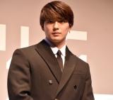 展覧会『KAWS TOKYO FIRST』サポーターに就任した新田真剣佑 (C)ORICON NewS inc.の画像