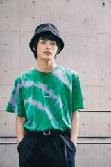 神尾楓珠「グリーンは新鮮!」 Tシャツコーデを爽やかに着こなし