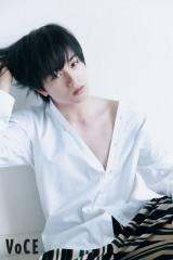 『VOCE』7月号に登場するSexy Zone・中島健人の画像