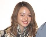 山本舞香、ぷくーっと頬膨らませた変顔ショット公開「待ち受けにしよっと」「かわいすぎてびっくり」