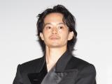 池松壮亮、オール韓国ロケの主演映画「NiziUの皆さんに観ていただきたい」