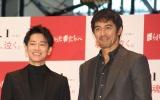 (左から)佐藤健、阿部寛(C)ORICON NewS inc.の画像