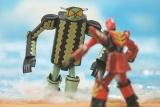 """「世界が尊敬する日本人100」にも選出 ロボットヒーローの""""作り手""""に憧れ、30年作り続けた紙製ロボットへの情熱"""