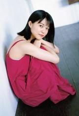 注目女優・志田彩良、人生初グラビア挑戦 バツグンのスタイル&キュートな笑顔で魅了